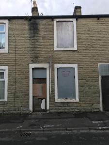 Hunslet St, Burnley